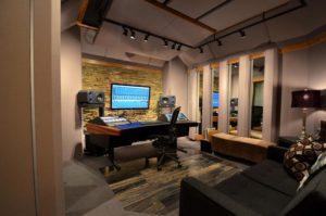 18-Amazing-Home-Studio-Setups-Any-Musician-Would-Love-3